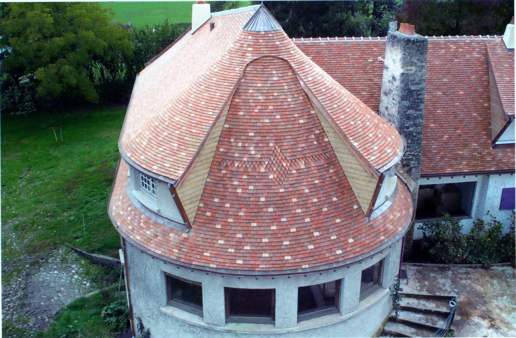 Couverture charpente sarl plantureux sarl plantureux for Couverture tuiles plates