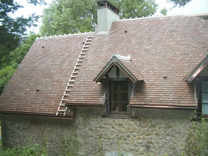 Tuiles en terre cuite restauration couleur brumaire sur habitation ciron 36 sarl plantureux - Tuile restauration brumaire ...