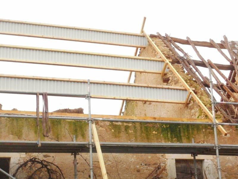 Pannes nailweb pour grandes port es sur grange bouesse - Poutre bois pour exterieur ...