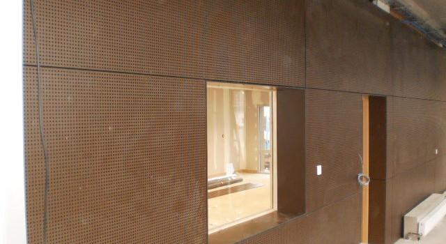 bardage avec panneaux pleins stratifi s l 39 cole de le. Black Bedroom Furniture Sets. Home Design Ideas