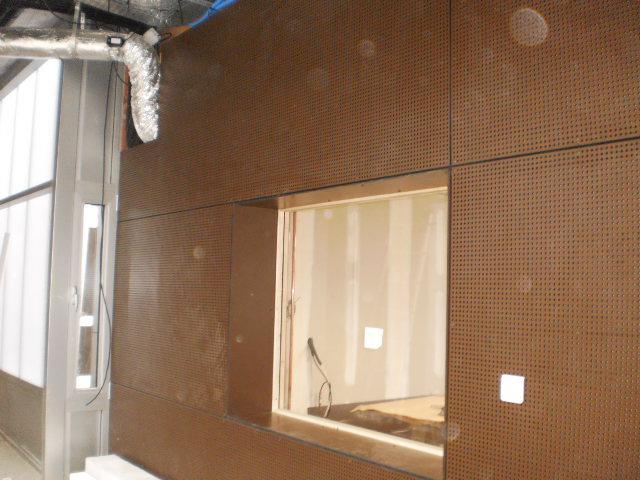 bardage int rieur en panneaux stratifi s perfor s r soplan. Black Bedroom Furniture Sets. Home Design Ideas