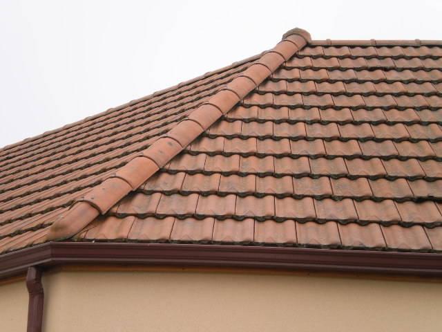 Tuiles en terre cuite delta 10 11 u m sur maison m dicale neuvy st s pluchre 36 sarl - Tuile beton ou terre cuite ...