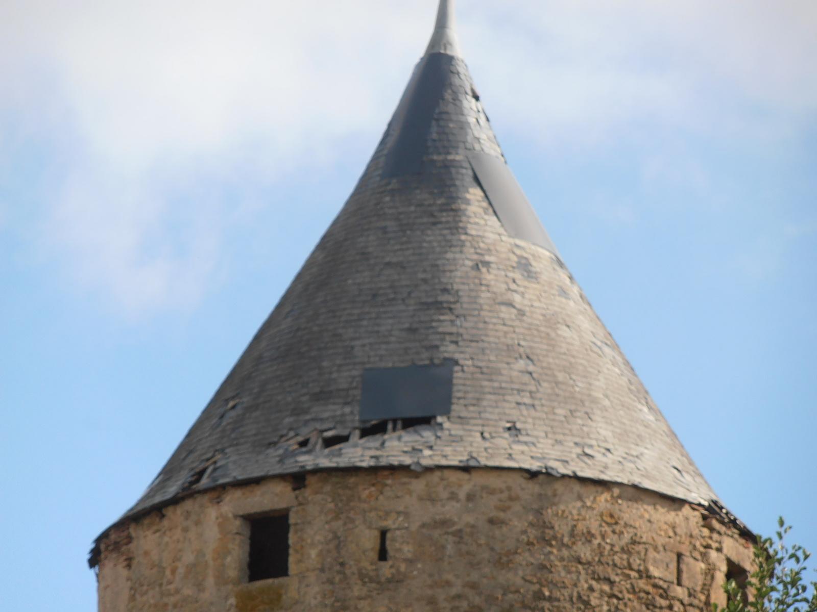 Château de Celon - état des tours rondes en ardoises avant travaux