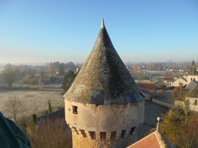 Etat des tours en ardoises du château de Celon avant les travaux